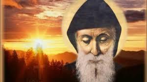 Un nouveau miracle attribué à saint Charbel attire les foules aux ...